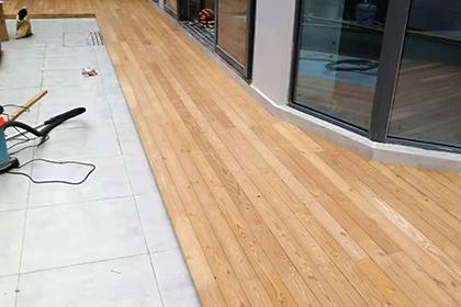 防腐木地板安装厂家