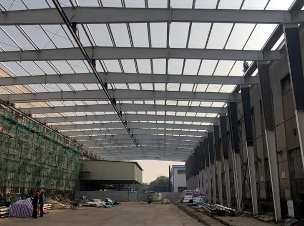 钢结构避雨棚