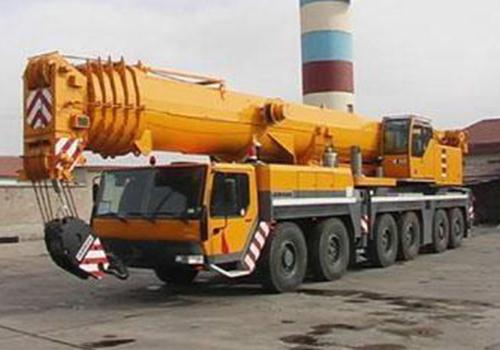 白云260噸吊車