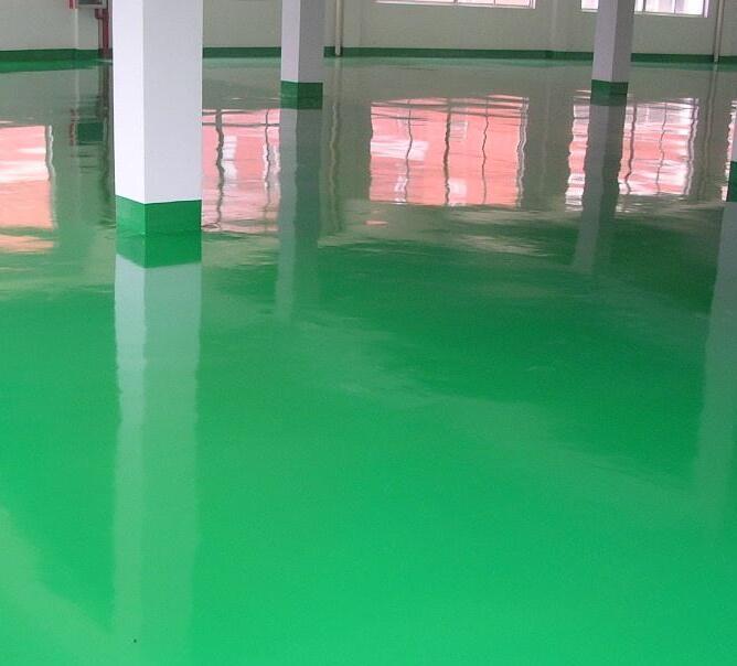 環氧地坪施工時地面潮濕的原因是什么