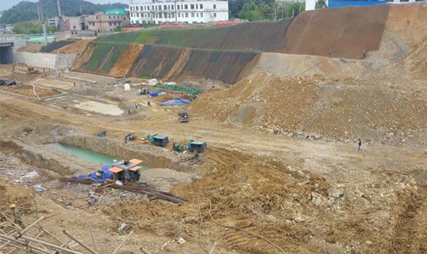 贵州林城东路延伸段施工现场