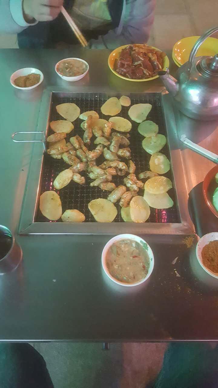 贵州不锈钢无烟烧烤桌厂家