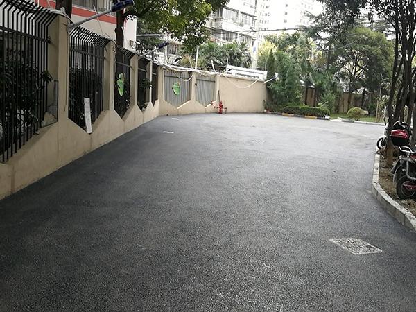 广元沥青道路铺摊