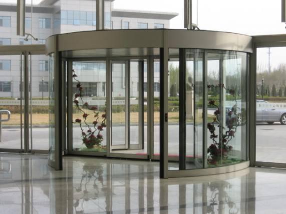 安順旋轉門安裝公司的小編教您分辨旋轉門的外表材料質量的方法