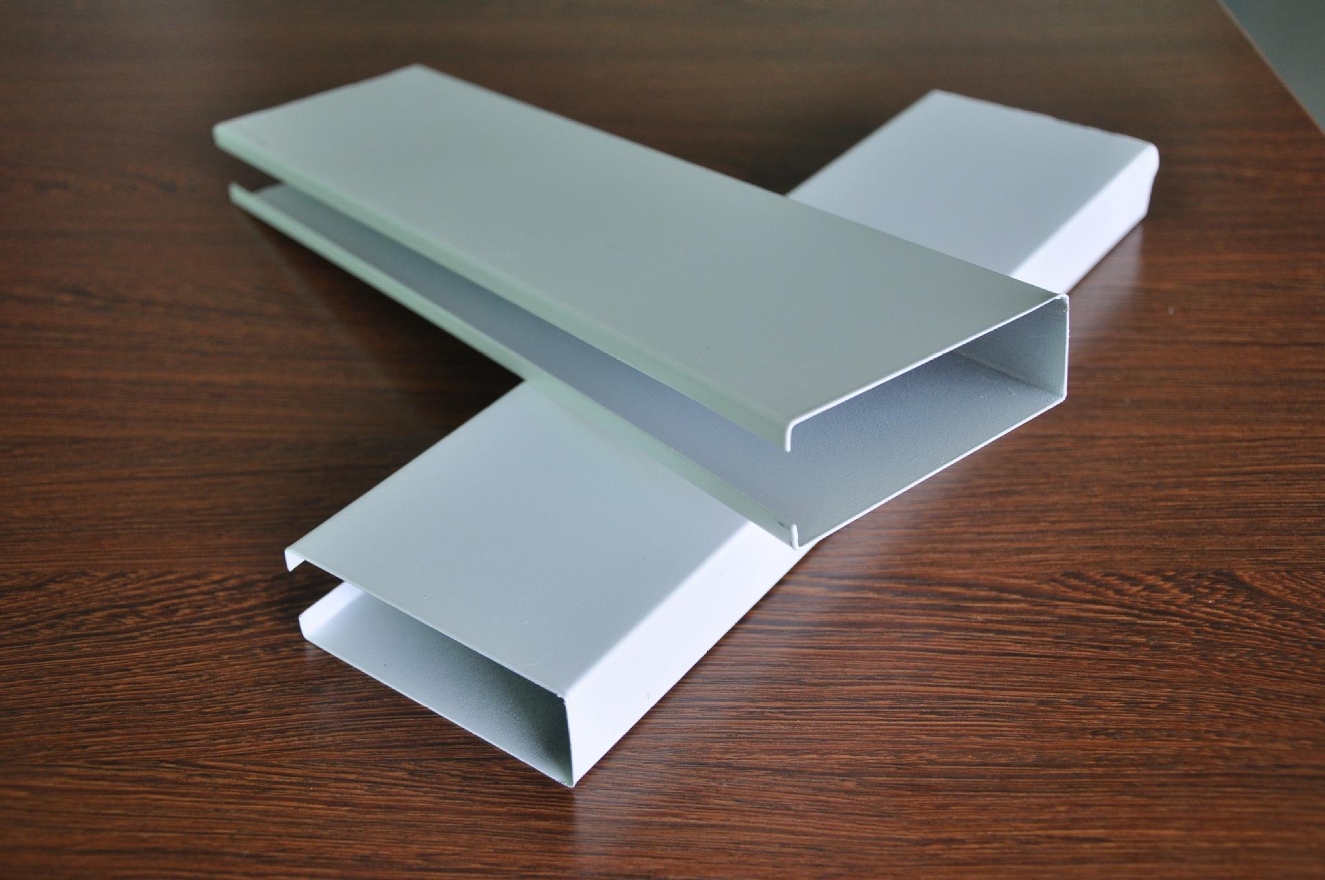 昆明铝单板厂家浅谈弧形木纹铝方通作为高档场所装饰材料的优势