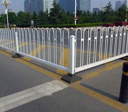 贵州防撞护栏有哪些具体要求!