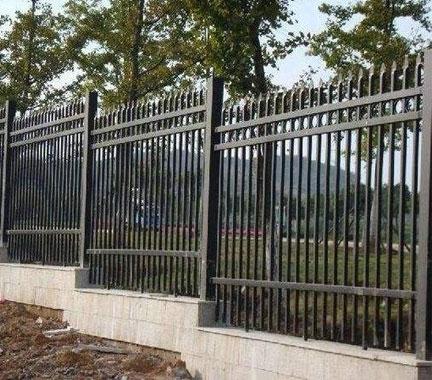贵州防撞护栏在安装时的注意事项提醒大家!