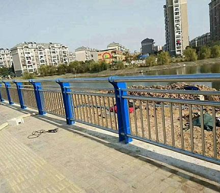 锌钢护栏:道路护栏的各种突出优势
