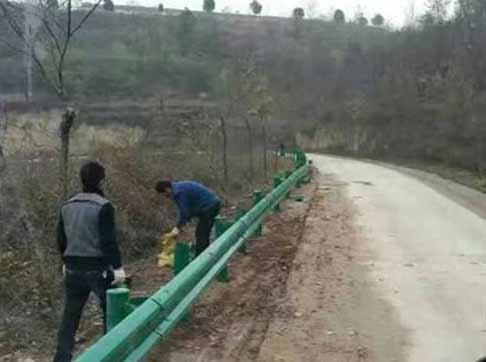 乡村道路护栏施工