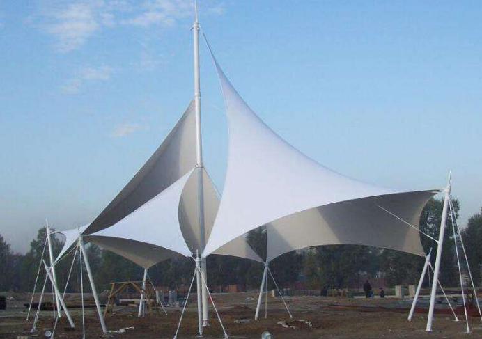 张拉膜结构罩棚