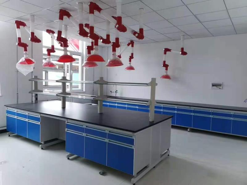 实验室边台