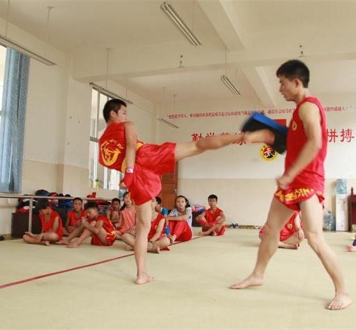 武术散打,同学们课堂上精彩的表演,贵州少儿武术散打培训