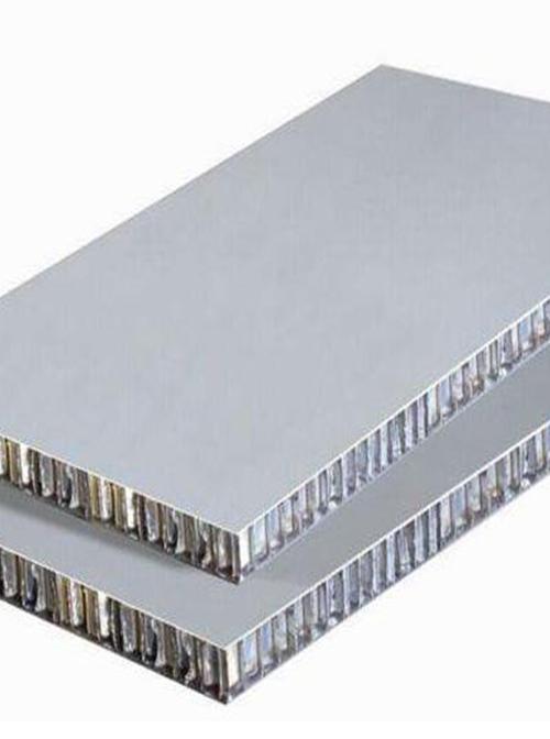 贵州铝单板告诉你铝蜂窝板的应用