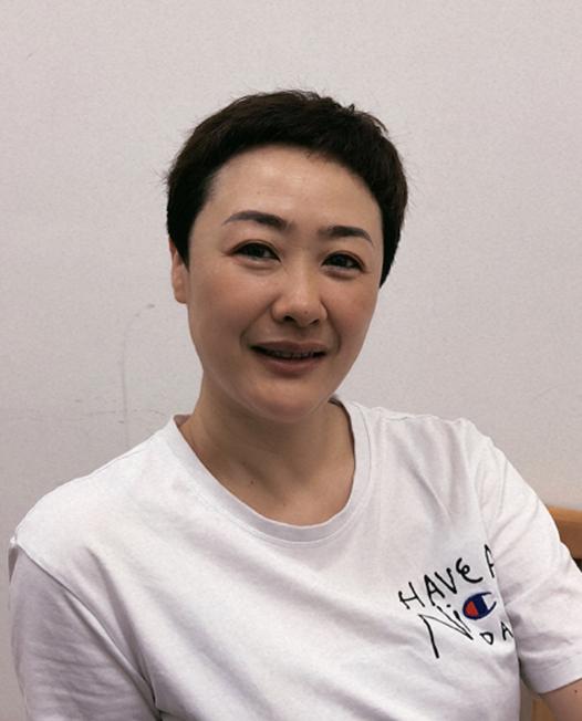 石珂  化妆师