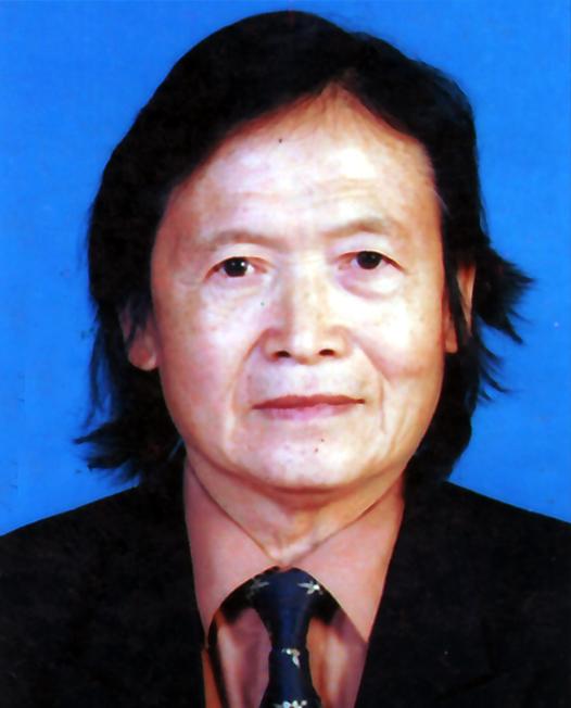 李启明:退休乐队演奏员