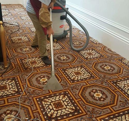 客厅地毯清洗