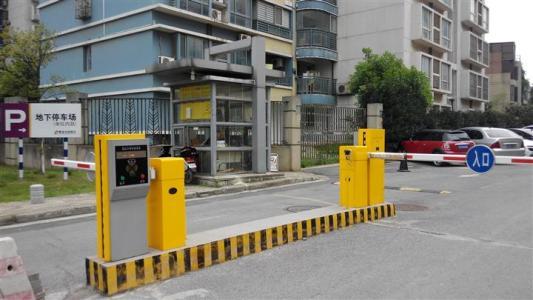 我们应该怎么避免停车场车牌识别系统无法识别?