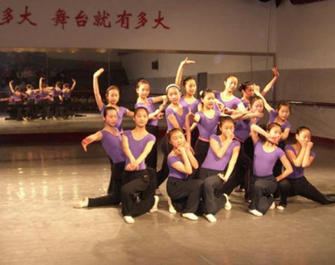 贵州学前教育学校