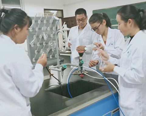贵阳生物制药学校