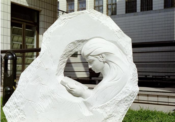 贵阳校园雕塑设计公司浅谈校园雕塑设计如何展现校园
