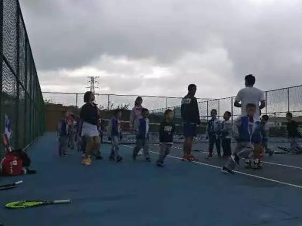 学校网球培训