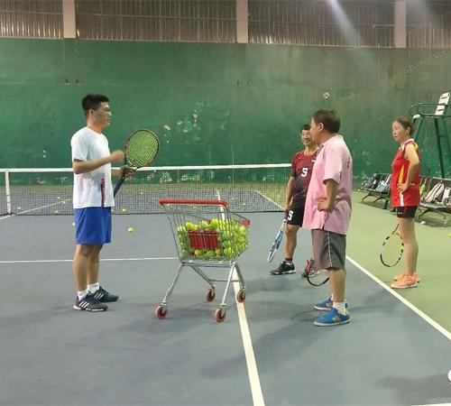 公司团体网球培训