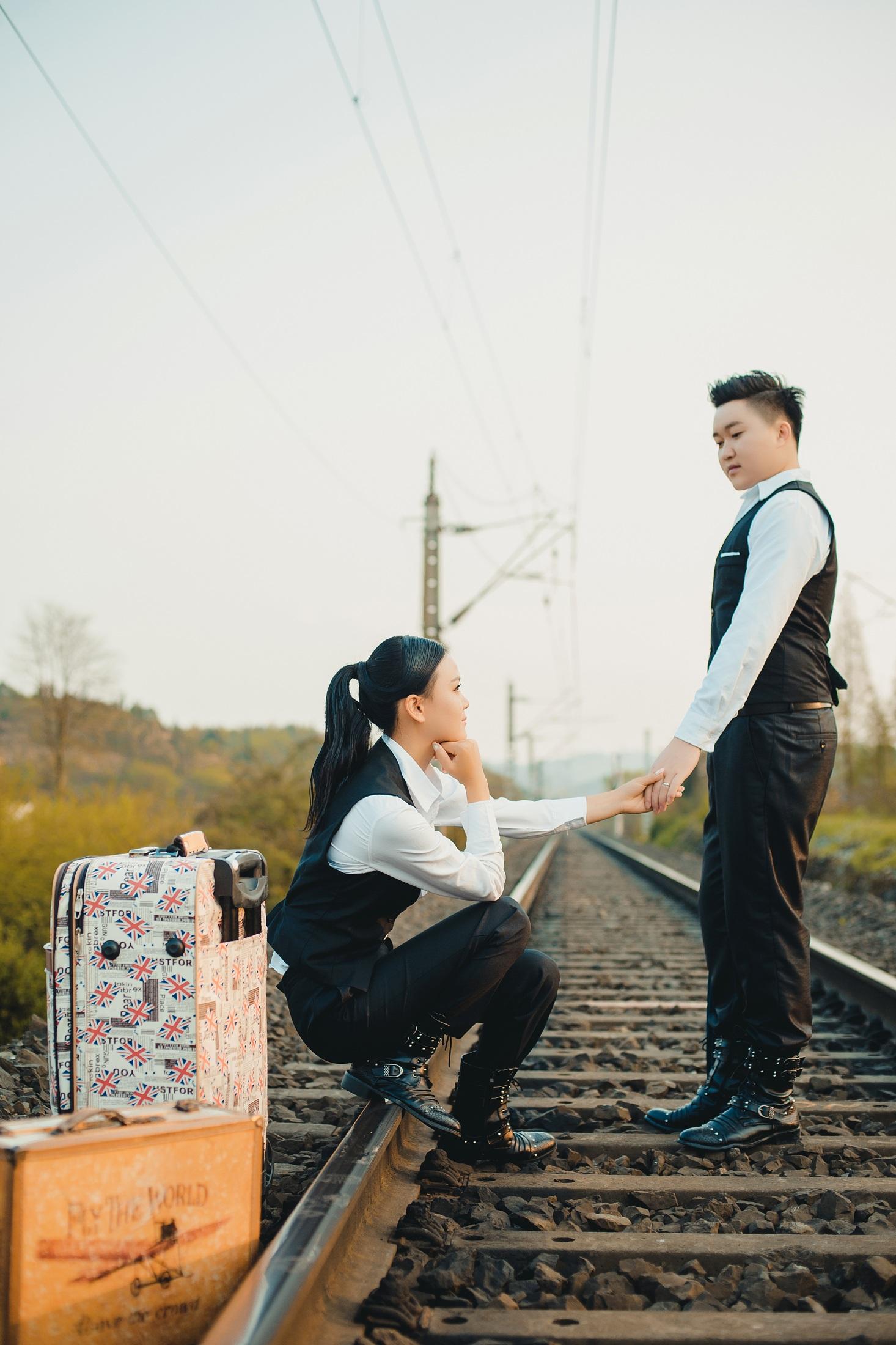 贵阳婚纱摄影——何先生& 王女士甜蜜婚礼纪
