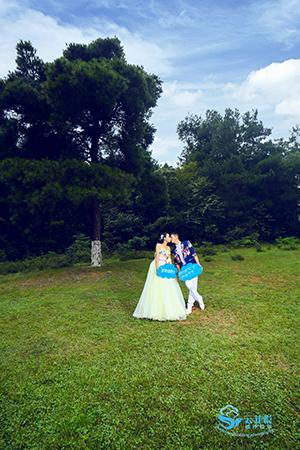 名爵棋牌婚纱摄影工作室