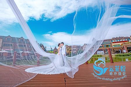 刘先生&王女士,名爵棋牌婚纱睁开了眼睛发现天色已经大亮摄影工作室,名爵棋牌婚纱摄影哪家好