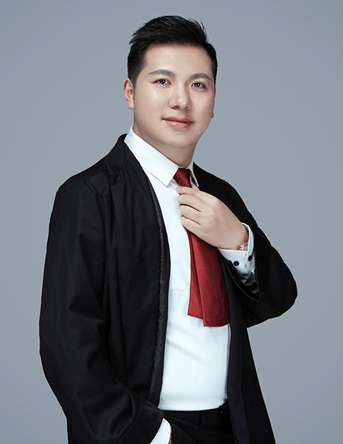 田冲  律师