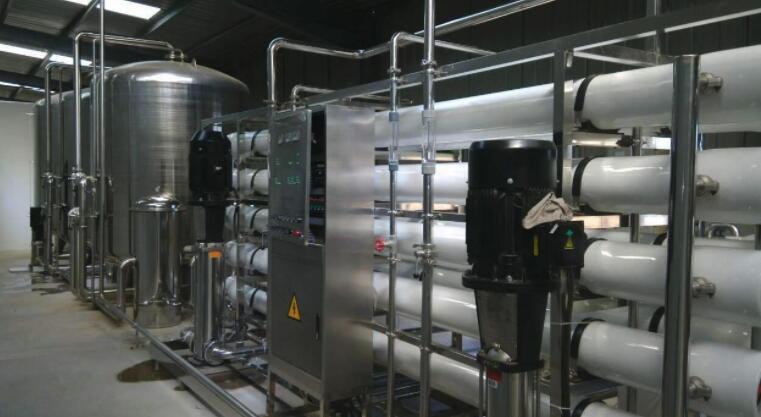 大型工业反渗透纯水处理设备在使用时需要注意哪些事项