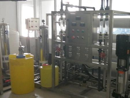 为甘肃水生源饮用纯净水公司提供反渗透等设备