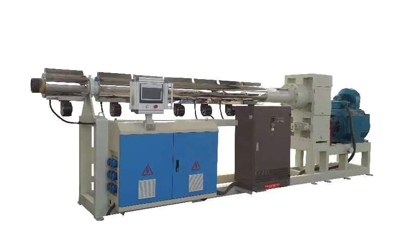 擠出機螺桿在旋轉過程中,主要靠螺棱對塑料進行塑化剪切