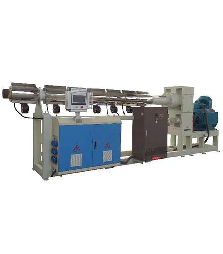 Vacuum sizing equipment - screw feeding