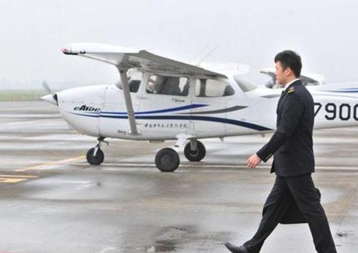 成为一名航空安 全员,需要经过怎样的考验?