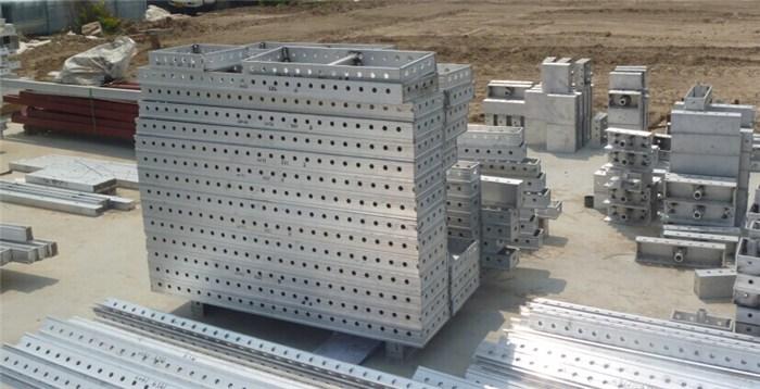 铝合金模板现场堆放及运输