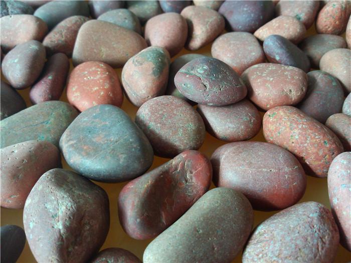 天然红色鹅卵石