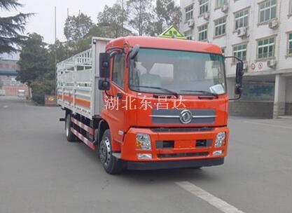 东风8.6吨气瓶运输车