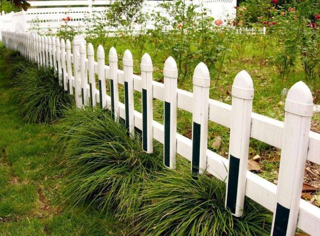 襄阳pvc草坪护栏厂家