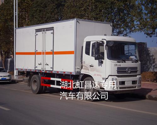 东风天锦10.255吨6.6米国五易燃液体厢式运输车