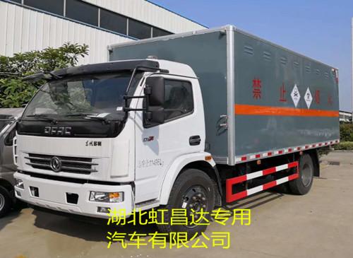 东风多利卡7.055吨5.1米毒性和感染性物品厢式运输车