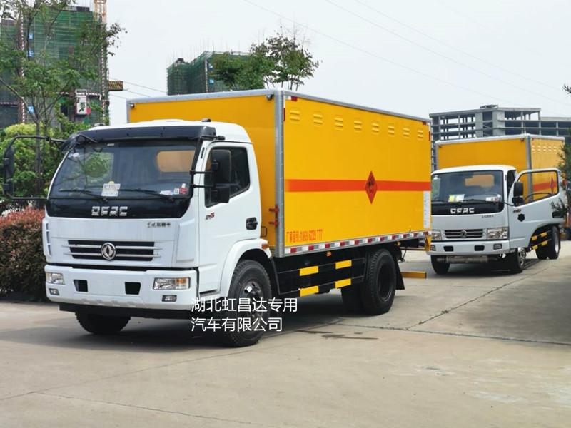 东风多利卡6.55吨D7火工品专用运输车