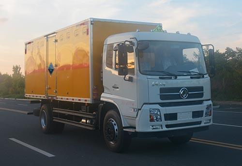 东风天锦10.95吨6.19米腐蚀性物品厢式运输车