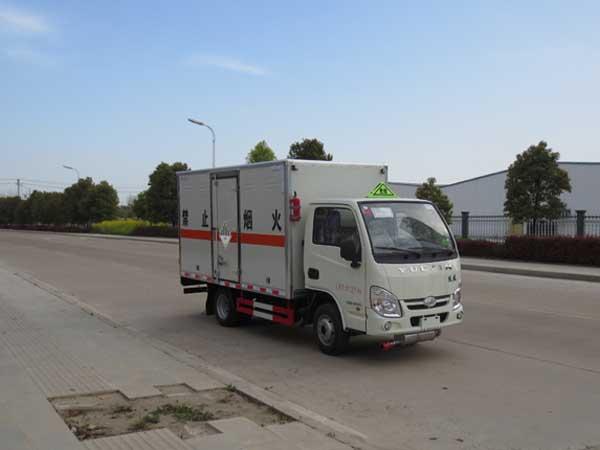 跃进小型1.045吨3米4杂项危险物品厢式运输车
