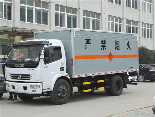 东风多利卡6.55吨D7爆破器材运输车