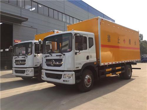 东风多利卡10吨6.3吨国五爆破器材运输车