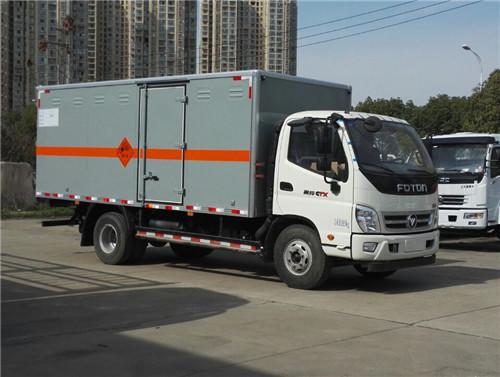 福田奥铃4.1吨4米2国五民用爆破器材专用车