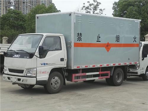 江铃1.415吨4.2米烟花鞭炮运输车