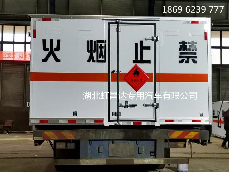 东风途逸易燃气体厢式车6