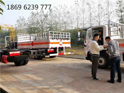 解放5.15米气瓶车2